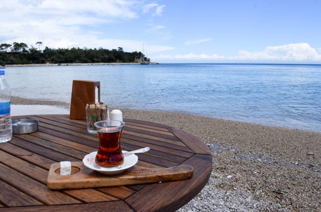 турецкий чай на пляже